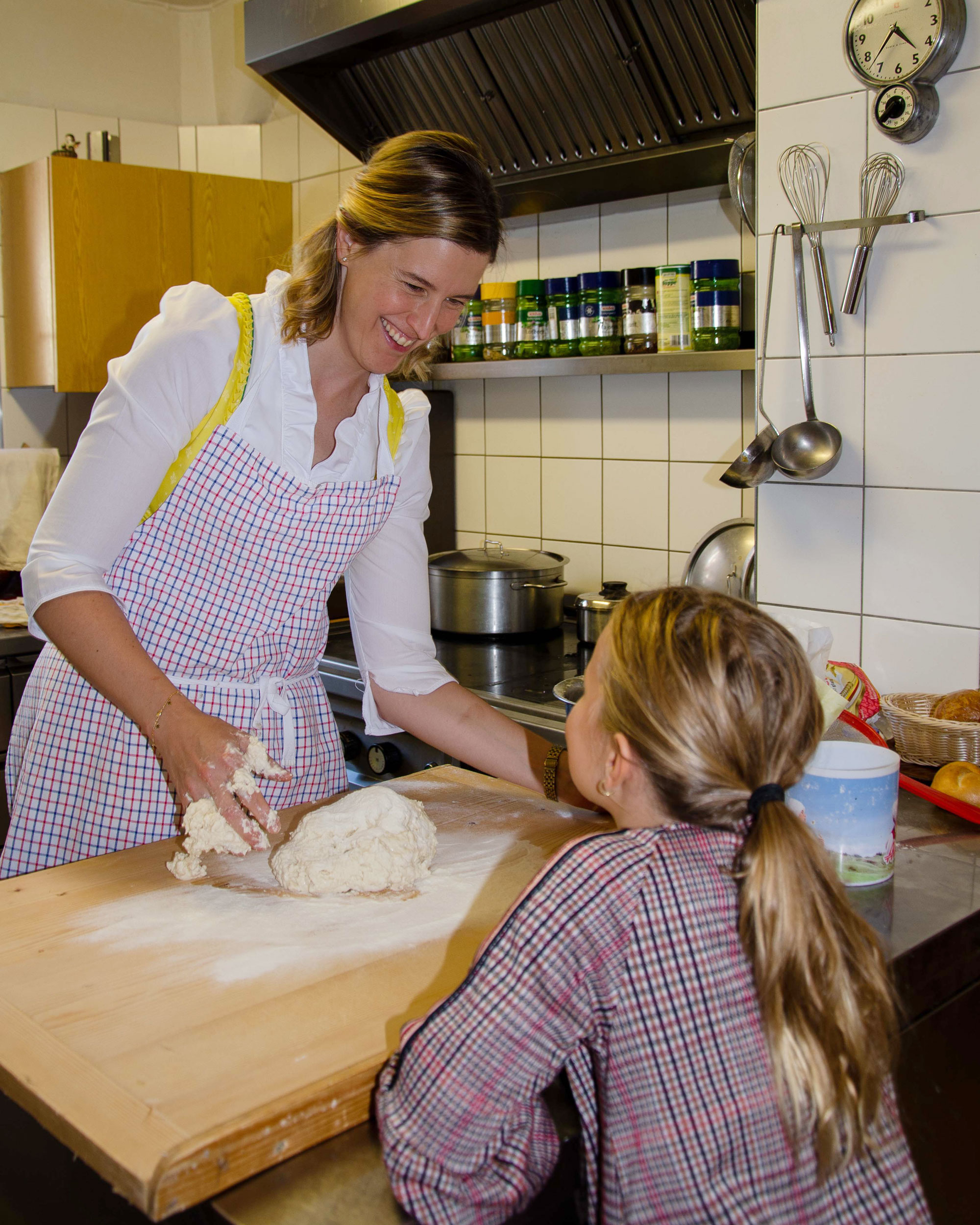 Hotel Ossiachersee backen mit den Kindern